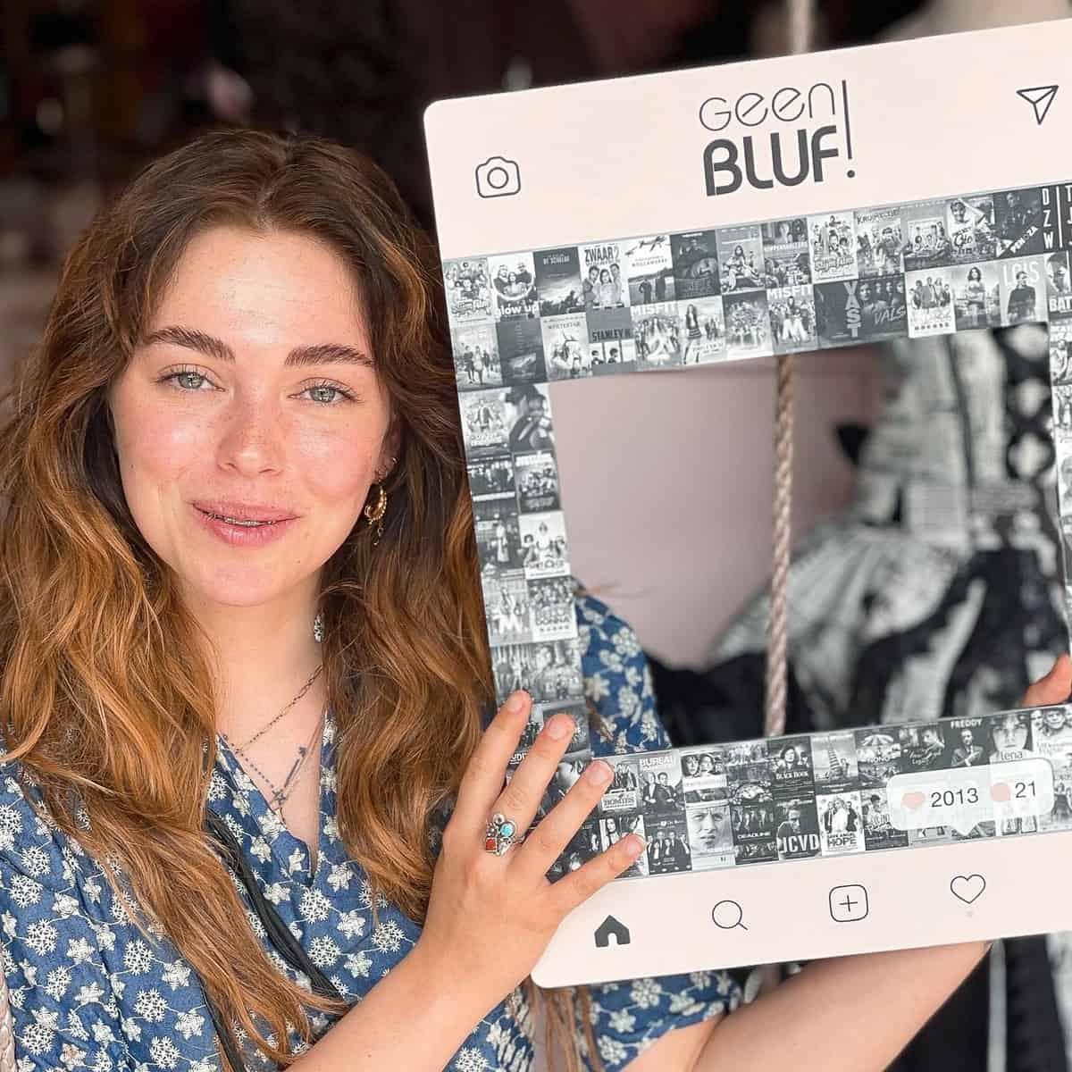 Social Media bord kopen - Social Frame XL - Geen Bluf frame SELFIE